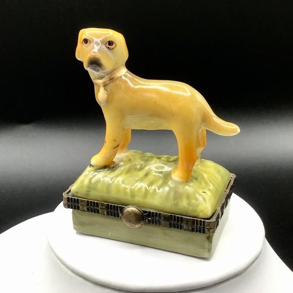 🌺Vintage Porcelain Dog Trinket Box